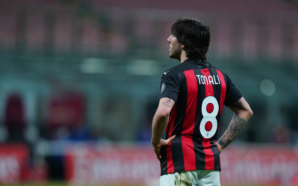 Sandro Tonali in maglia Milan